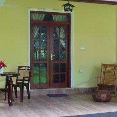 Отель Lanka Rose Guest House Номер Делюкс с различными типами кроватей фото 7