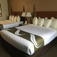 Отель Quality Inn комната для гостей