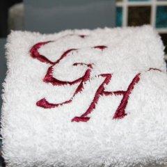 Отель Crompton Guest House ванная