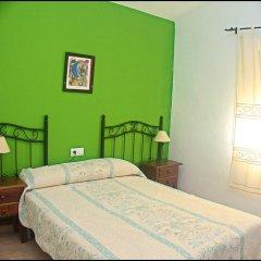 Отель Chalet Bungalow La Roa Испания, Кониль-де-ла-Фронтера - отзывы, цены и фото номеров - забронировать отель Chalet Bungalow La Roa онлайн комната для гостей фото 2
