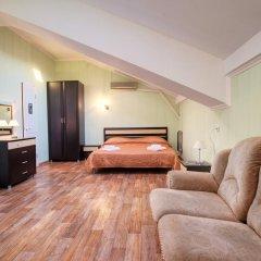Гостиница Континент 2* Люкс с двуспальной кроватью фото 11