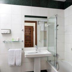 Hesperia Granada Hotel 4* Стандартный номер с двуспальной кроватью фото 9
