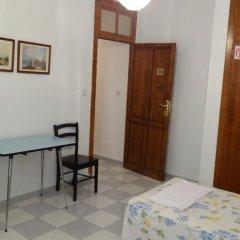 Отель Pensión Olympia 2* Стандартный номер с двуспальной кроватью (общая ванная комната) фото 16