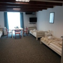RJ Hotel комната для гостей