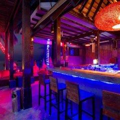 Отель Wind Beach Resort Таиланд, Остров Тау - отзывы, цены и фото номеров - забронировать отель Wind Beach Resort онлайн гостиничный бар