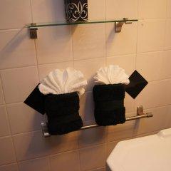 Отель Llantrissant ванная