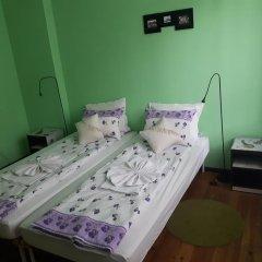Отель Trakia Bed & Breakfast 2* Стандартный номер с 2 отдельными кроватями (общая ванная комната) фото 2