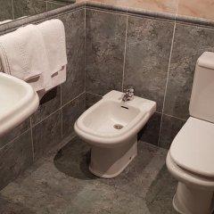 Hotel Reina Isabel Льейда ванная