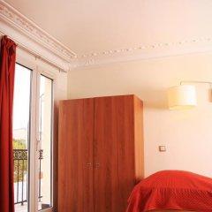 Отель Hôtel Marignan Стандартный номер с двуспальной кроватью (общая ванная комната) фото 4
