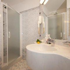 Отель IH Hotels Milano Ambasciatori 4* Улучшенный номер с различными типами кроватей фото 6
