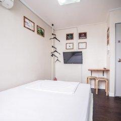 Хостел Itaewon Inn Стандартный номер с двуспальной кроватью фото 7