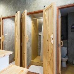 Barn And Bed Hostel Кровать в общем номере фото 9