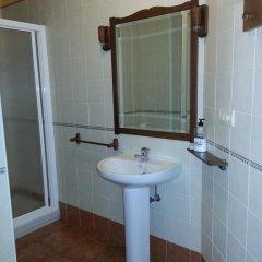 Отель Apartamentos La Corona Испания, Кабралес - отзывы, цены и фото номеров - забронировать отель Apartamentos La Corona онлайн ванная