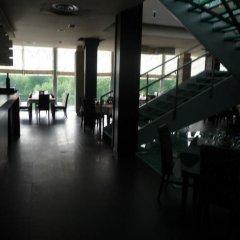 Отель Luani A Hotel Албания, Шенджин - отзывы, цены и фото номеров - забронировать отель Luani A Hotel онлайн гостиничный бар