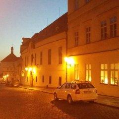 Отель Domus Henrici Прага парковка