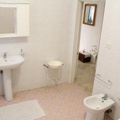 Отель B&B A Palazzo Италия, Гальяно дель Капо - отзывы, цены и фото номеров - забронировать отель B&B A Palazzo онлайн ванная фото 2