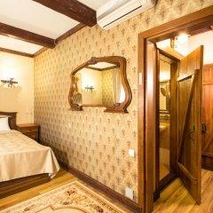 Historical Hotel Fortetsya Hetmana 4* Люкс с различными типами кроватей фото 10