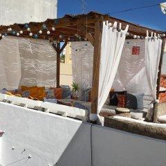 Orange Terrace Hostel бассейн