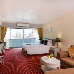 Отель Furama Silom, Bangkok 3* Улучшенный номер с разными типами кроватей фото 3