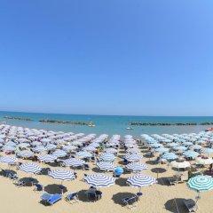 Отель Grand Eurhotel Италия, Монтезильвано - отзывы, цены и фото номеров - забронировать отель Grand Eurhotel онлайн пляж фото 2