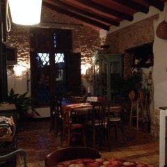 Отель Casa Rural El Olivar de las Pepinas Сакс гостиничный бар