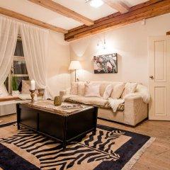 Апартаменты Oldhouse Apartments Таллин комната для гостей фото 3