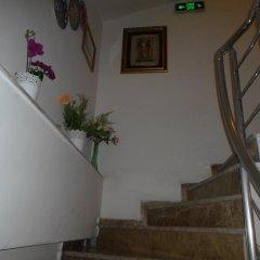 Отель La Petite Maison интерьер отеля фото 3