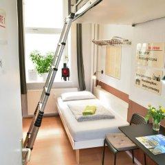 Kiez Hostel Berlin Стандартный номер с 2 отдельными кроватями (общая ванная комната) фото 3