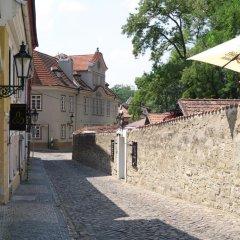 Отель Garden Residence Prague Castle Чехия, Прага - отзывы, цены и фото номеров - забронировать отель Garden Residence Prague Castle онлайн парковка