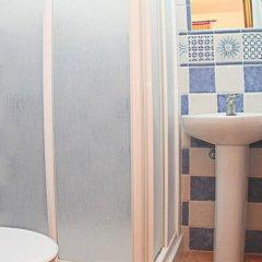 Отель Chalet Arroyo Majadales Испания, Кониль-де-ла-Фронтера - отзывы, цены и фото номеров - забронировать отель Chalet Arroyo Majadales онлайн ванная