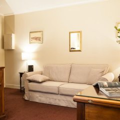Saint James Albany Paris Hotel-Spa 4* Стандартный номер с двуспальной кроватью фото 2