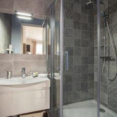 Отель Vestay Champs-Élysées Франция, Париж - отзывы, цены и фото номеров - забронировать отель Vestay Champs-Élysées онлайн ванная