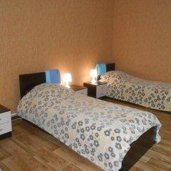 Hostel Skazka In Tolmachevo Кровати в общем номере с двухъярусными кроватями фото 4