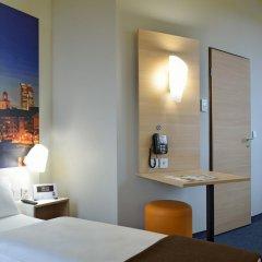 B&B Hotel Frankfurt-Hbf 2* Стандартный семейный номер с двуспальной кроватью