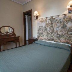 Отель Hostal Ayestaran II Стандартный номер с двуспальной кроватью фото 11