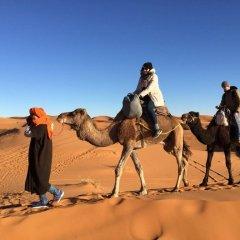 Отель Merzouga Desert Camp Марокко, Мерзуга - отзывы, цены и фото номеров - забронировать отель Merzouga Desert Camp онлайн спортивное сооружение