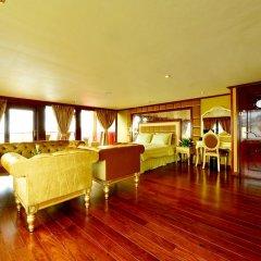 Отель Golden Cruise 9 гостиничный бар