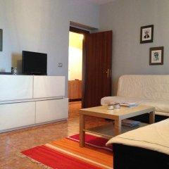 Апартаменты Apartment Tirana Тирана комната для гостей фото 3
