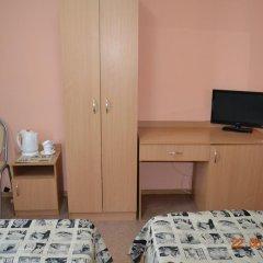 Гостиница Искра 3* Стандартный номер с 2 отдельными кроватями фото 4