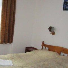 Отель Pri Voivodite Guest House Банско комната для гостей фото 4