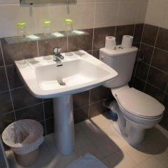 Отель Hôtel Acanthe ванная фото 2