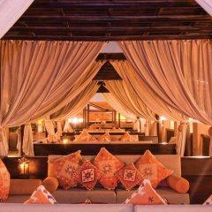 Отель Sharq Village & Spa гостиничный бар
