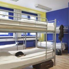 Отель Generator Berlin Prenzlauer Berg Кровать в общем номере с двухъярусной кроватью фото 3
