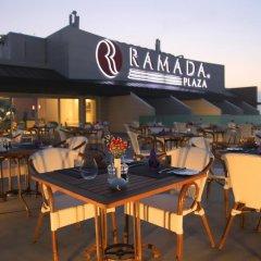 Отель Ramada Plaza Istanbul Asia Airport гостиничный бар