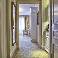 Отель Four Seasons George V Paris интерьер отеля фото 3