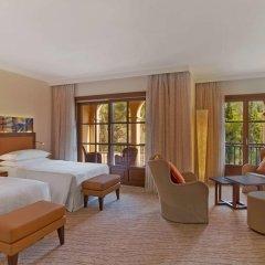 Sheraton Mallorca Arabella Golf Hotel 5* Номер Делюкс с различными типами кроватей