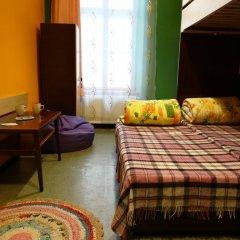 Happy Hostel комната для гостей