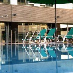 Отель Axor Feria бассейн фото 3