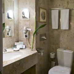Отель Warwick Brussels 5* Номер Classic с двуспальной кроватью фото 7