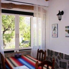 Отель Casa La Bombaron Сьерра-Невада комната для гостей фото 5